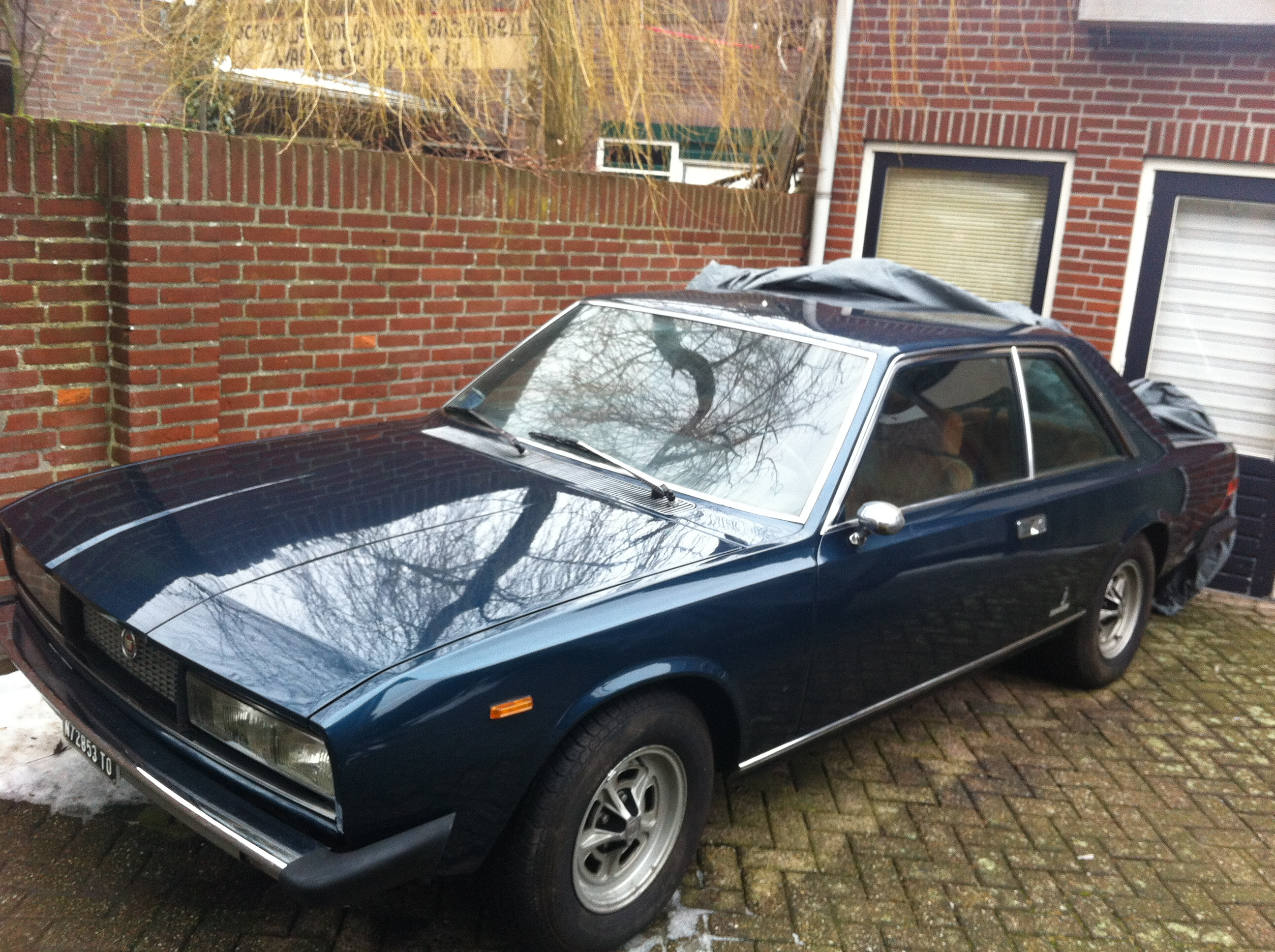 restoration of a 1976 fiat 130 coupe alex van der laan. Black Bedroom Furniture Sets. Home Design Ideas